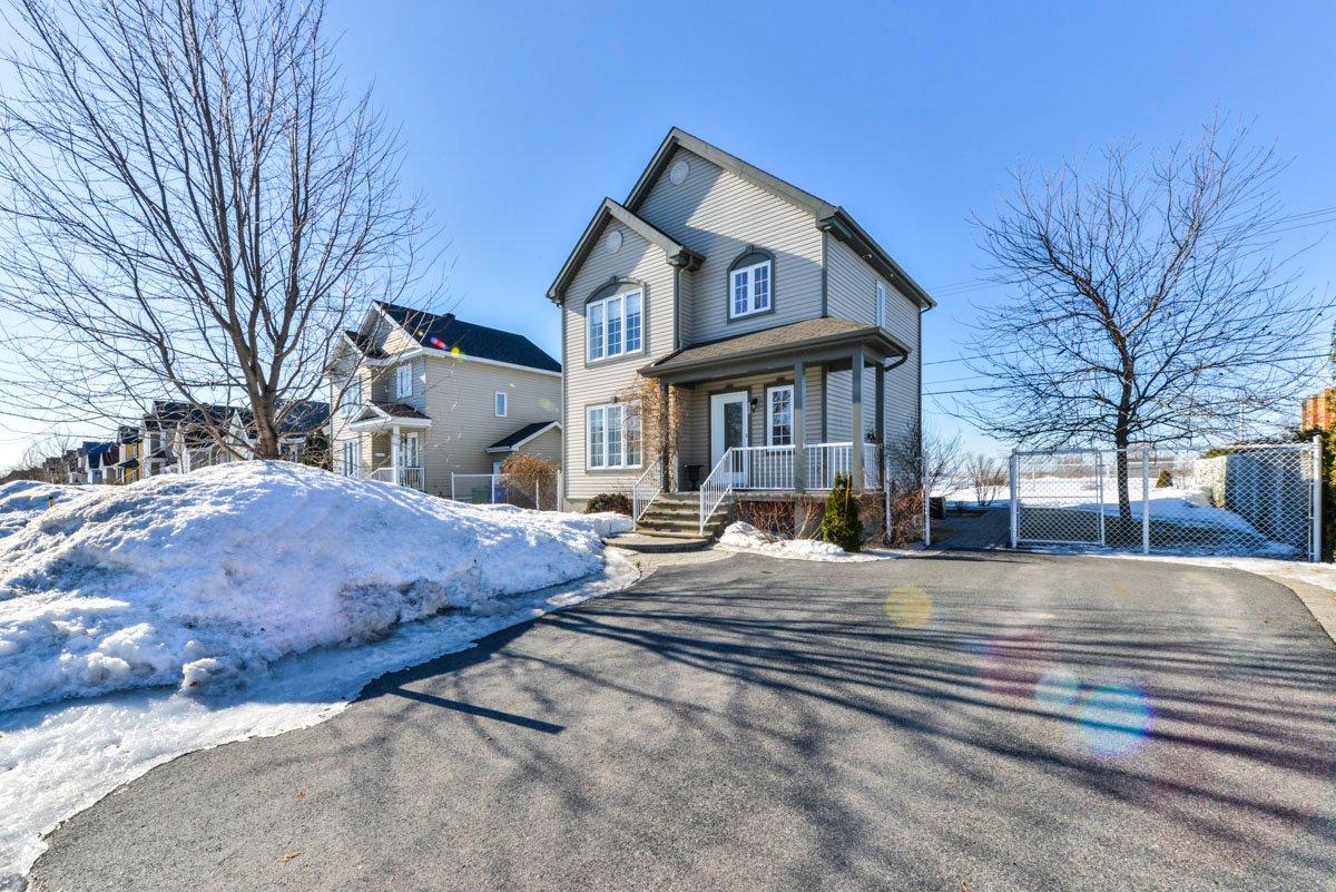 Maison à étages à vendre à McMasterville